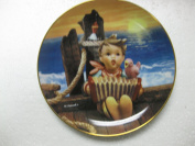 The M.J. Hummel Plate Collection-Gentle Friends Series-Let's Sing-Plate#F1950-20cm Diameter