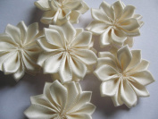 YYCRAFT Pack Of 30 Satin 3.8cm Ribbon Flower Appliques-Ivory