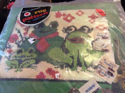 1970s Red Heart Rug Pattern Latch Hook Kit Froggy Family