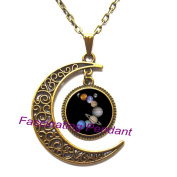 New Moon Necklace,Handmade Vintage Universe Jewellery Solar System Planets Necklace Glass Dome Pendant Fashion Trendy Space Gift Men。AE0016