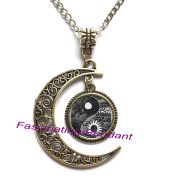 New Moon Necklace,Vintage Yin Yang Sun and Moon Necklace Pendant Cabochon Long Chain Statement Necklace For Fashion Women Men,AE0124