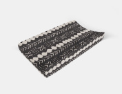 Changing pad cover in Black Mud Cloth by AllTot
