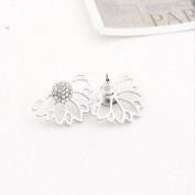 Pinzhi Silver Beauty Woman Ear Stud Retro Vintage Crystal Fan-shaped Pierced Earrings Hollow
