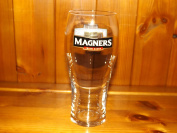 MAGNERS IRISH CIDER PINT GLASS x 1