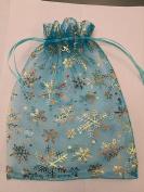 15 ORGANZA WEDDING PARTY favour BAGS CHRISTMAS SNOWFLAKES PATTERN 17 CM X 23 CM AQUA BLUE