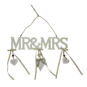 """Amore Hanging plaque Cutout Letters """"Mr & Mrs"""""""