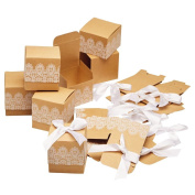Giftbox Celebrations Favours With White Design Set 10