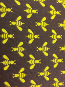 Bees Dress / Craft Fabric – 100 % Cotton – 54″ (135cm) Wide