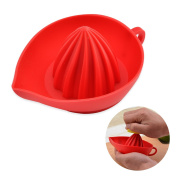 YIJIA Manual Silicone Lemon Juicer Squeezer with Hanging Handle for Citrus Fruits Reamer Vegetable