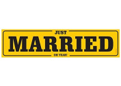 Just Married Car Sign Plate Wedding Car Yellow Black