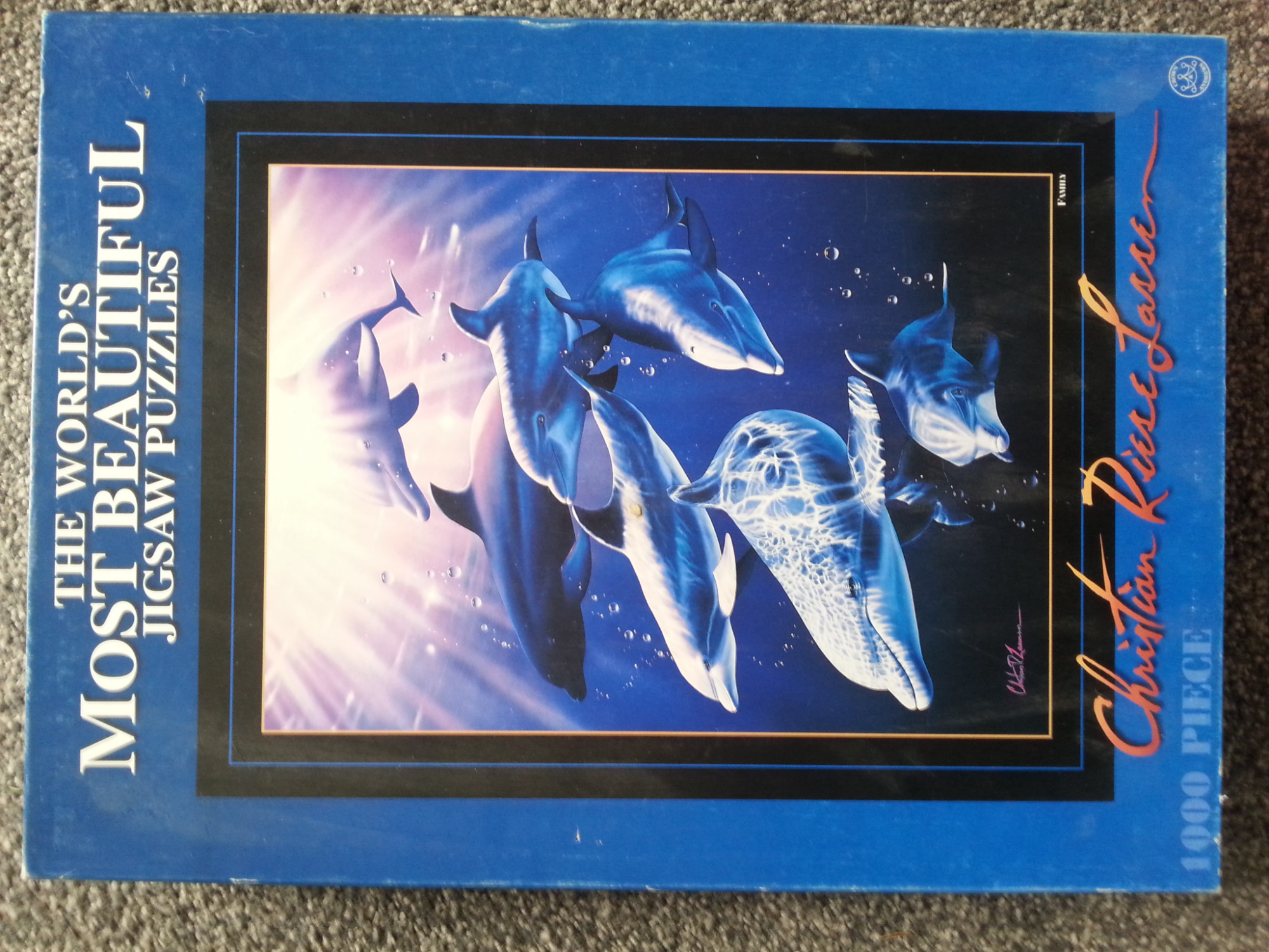 World's most Beautiful Jigsaw Puzzles - Dolphin Family